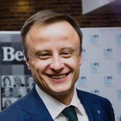 Виктор Апанасик