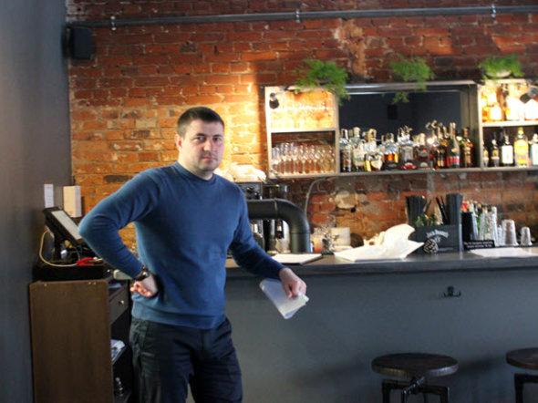 Александр Горбачев, директор кафе ENZO. Фото Анастасии Бондарович