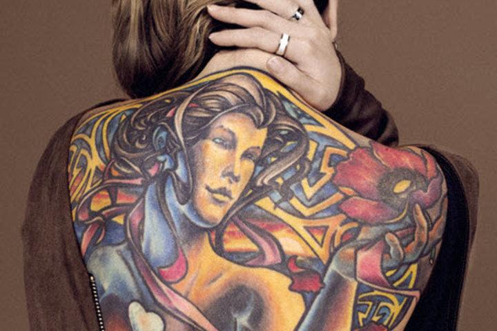 ФОТО: «Татуировка — это бесконечный колодец, есть куда развиваться»: владелица тату-салона о картинах на теле и клонировании себя