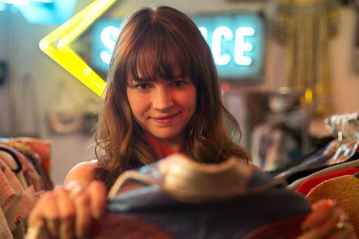 Скриншот из сериала Girlboss