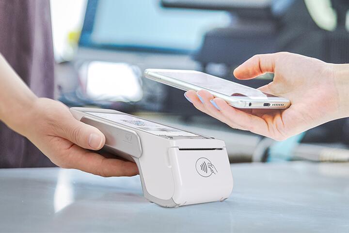 ФОТО: Товароучетная система и поддержка продуктов 1С – стали доступны пользователям «Smart-кассы» от А1
