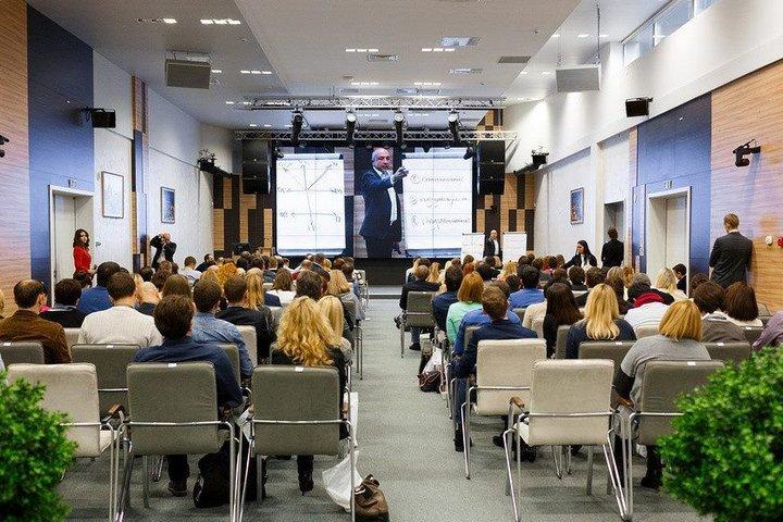 ФОТО: Бизнес-конференция «Взрывные продажи» возвращается в Минск