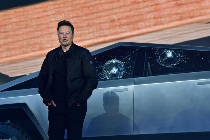 Илон Маск. Фото с сайта esquire.ru