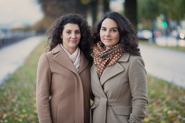 Тамара Кнопинская и Яна Фельдман (справа) — основательницы студии BAOBAB