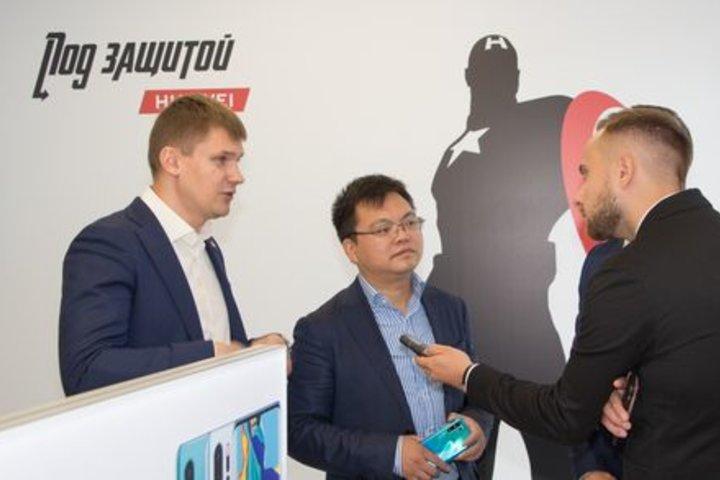 ФОТО: 95% ремонтов по гарантии в течение 1 часа: Huawei подводит итоги 3-х лет работы сервисного центра