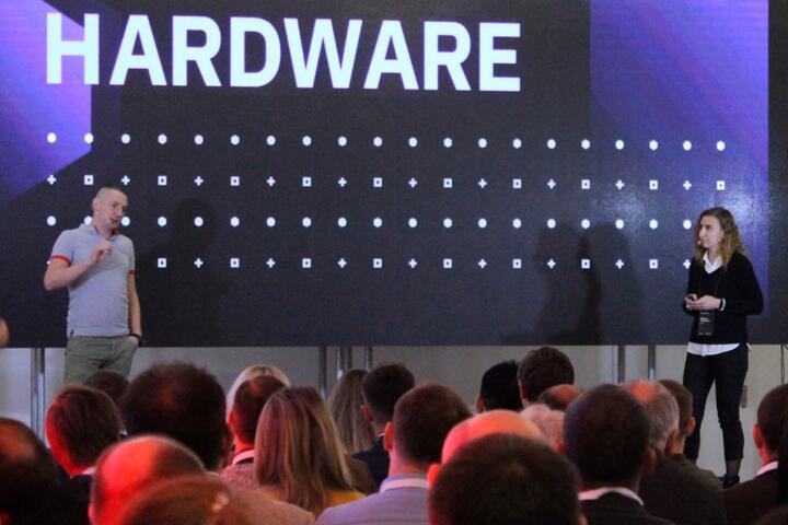 Роман Пахолков и Людмила Антоновская на Hardware Congress 3.0, probusiness.io