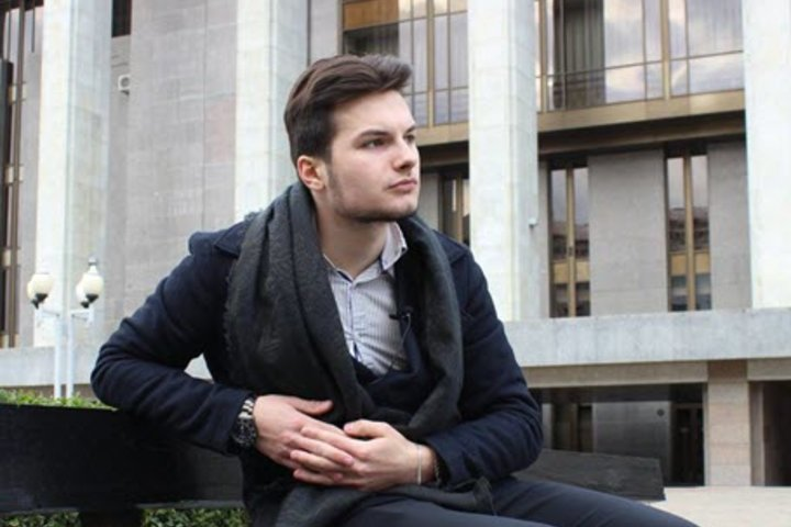 ФОТО: В колледже парня стыдили за чтение бизнес-книг – но он не «обломался» и доказал, что может быть предпринимателем