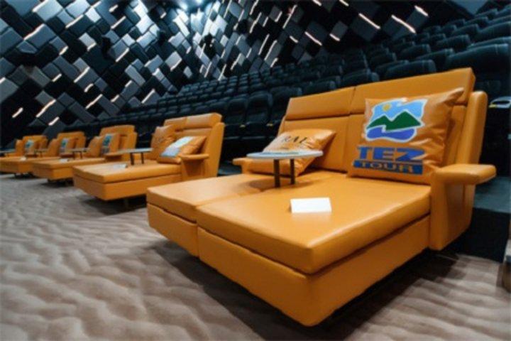 ФОТО: Брендированный зал, или как сделать пляж в кинотеатре