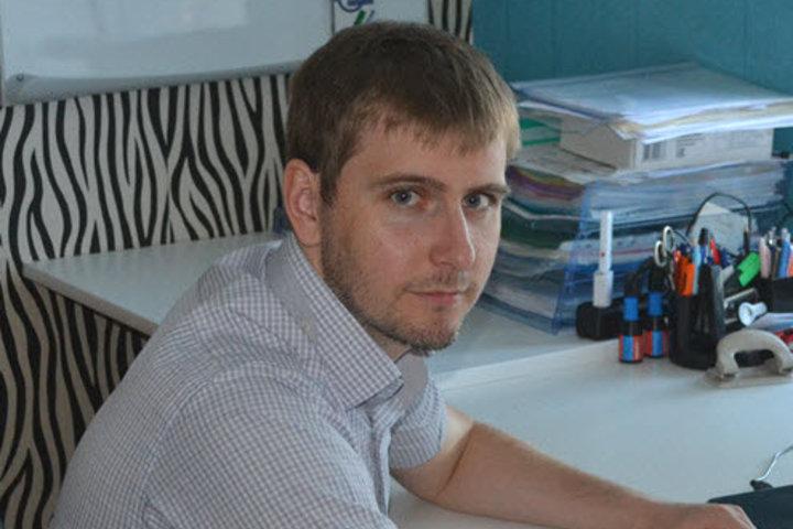 ФОТО: Этот парень осмелился продавать электронные крышки-биде для унитазов. Задача минимум – $1 млн на старость