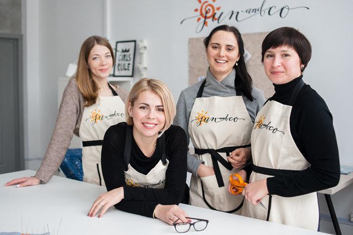 Анна Левкович (в центре). Фото из личного архива