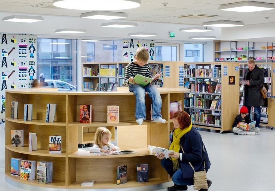 Школьная библиотека в Финляндии. Фото с сайта blog.unif.pro