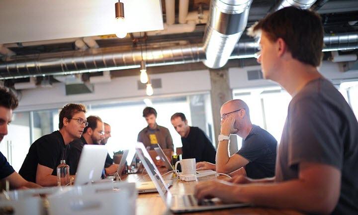 Фото с сайта teehanlax.com