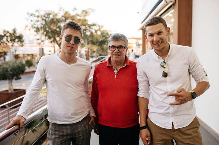 Сергей Сердюков, Владимир Тарасов и Алексей Купреев. Фото предоставлено UFOX