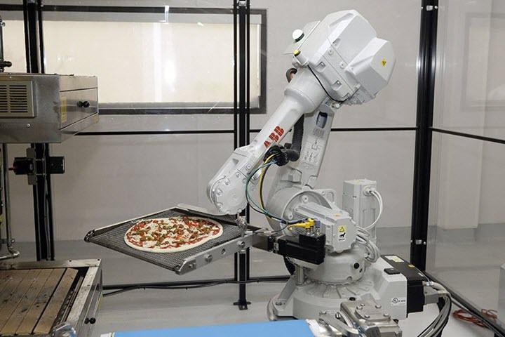 Пиццерия с поварами-роботами в США. Фото с сайта xcom-hobby.ru