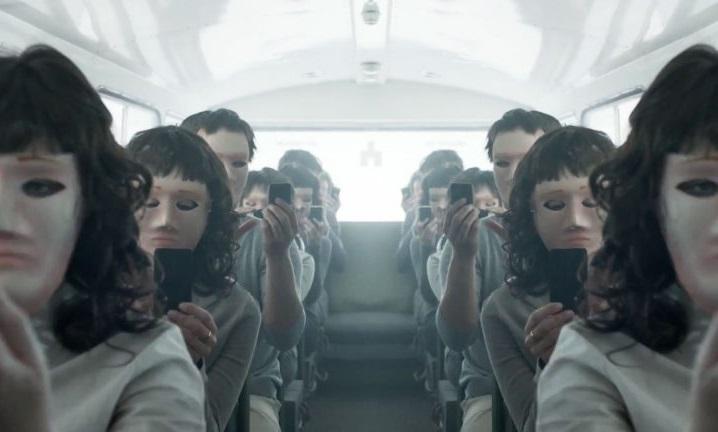 """Кадр из сериала """"Черное зеркало"""", Великобритания. Создатель Чарли Брукер"""