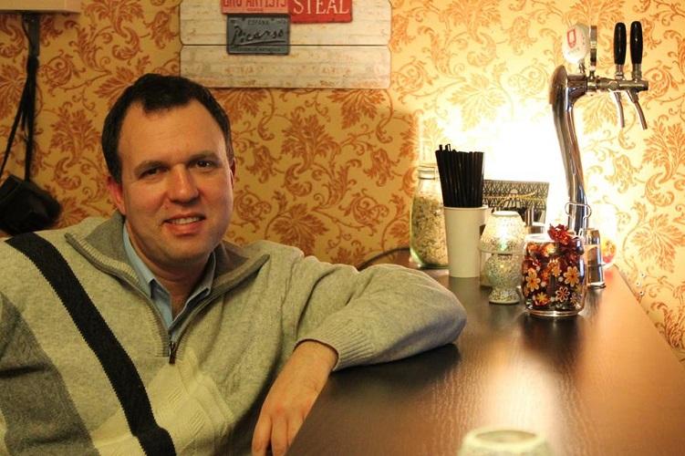 Виталий Трахтенберг, владелец «Old&Young coffeehouse and bar». Фото Ирины Гордиенко