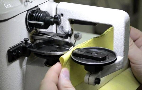 Скорняжная машина. Скриншот видеоролика с YouTube