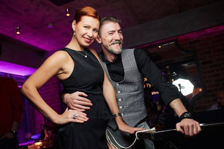 Оксана с мужем. Фото из личного архива