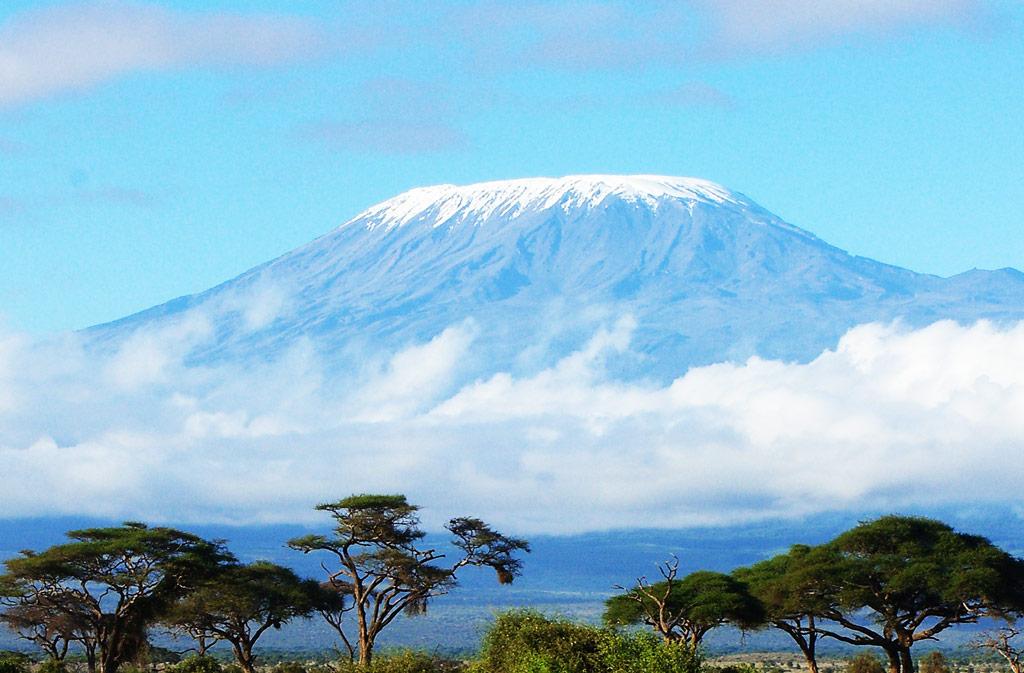 Гора Килиманджаро. Фото с сайта guruturizma.ru