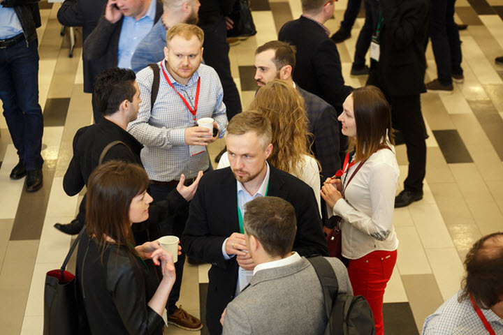 "Нетворкинг во время форума ""Бизнес будущего"". Фото: Александр Глебов, probusiness.io"