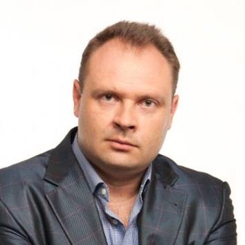 Денис Каплунов Копирайтер, автор 5-ти книг-бестселлеров по копирайтингу.
