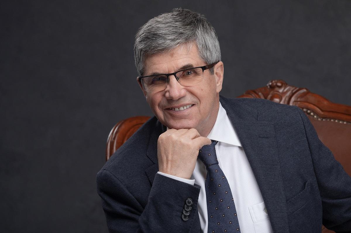 ФОТО: «Идеальный руководитель— бездействующий». Что думает о менеджменте легендарный бизнес-тренер Владимир Тарасов