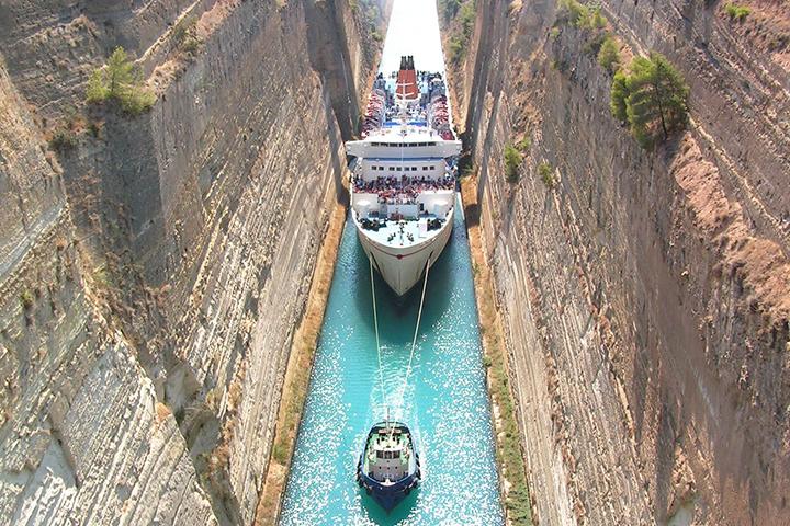 Фото с сайта isthmos-covertaxiathensgreece.gr