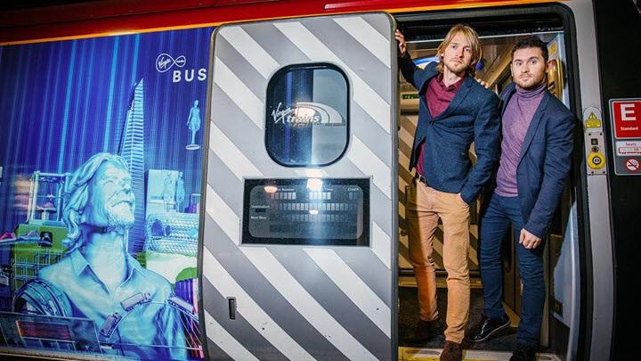 Кирилл Чикеюк и Артем Ставенко на поезде Virgin. Фото с сайта virginmediabusiness.co.uk