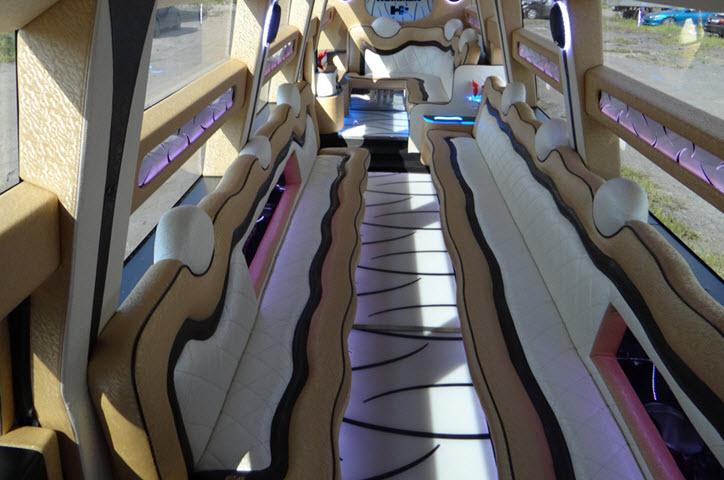 Фото с сайта limo-cars.ru
