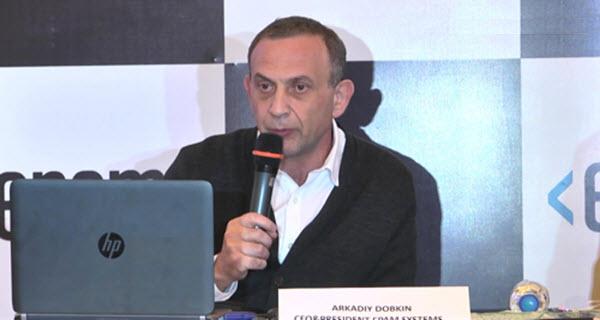 Глава EPAM Аркадий Добкин объявляет о приобретении Alliance Global Services. Фото: HYBIZ.TV