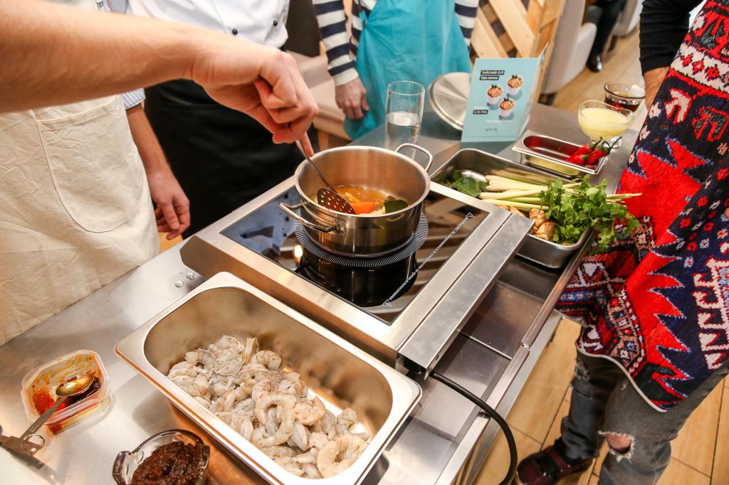 Мастер-класс по приготовлению супа Том ям. Фото с сайта marketing.by