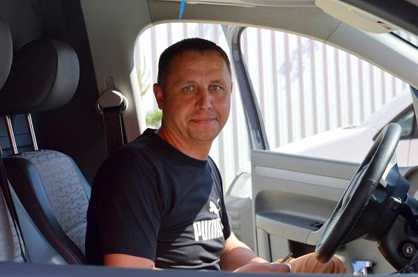 Водитель Андрей Гайдукевич. Фото Анастасии Бондарович