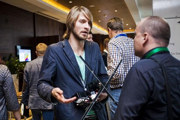 Кирилл Чикеюк, сооснователь стартапа Kino-mo на форуме «Бизнес будущего» в Минске. Фото: Дарья Бурякина, probusiness.by