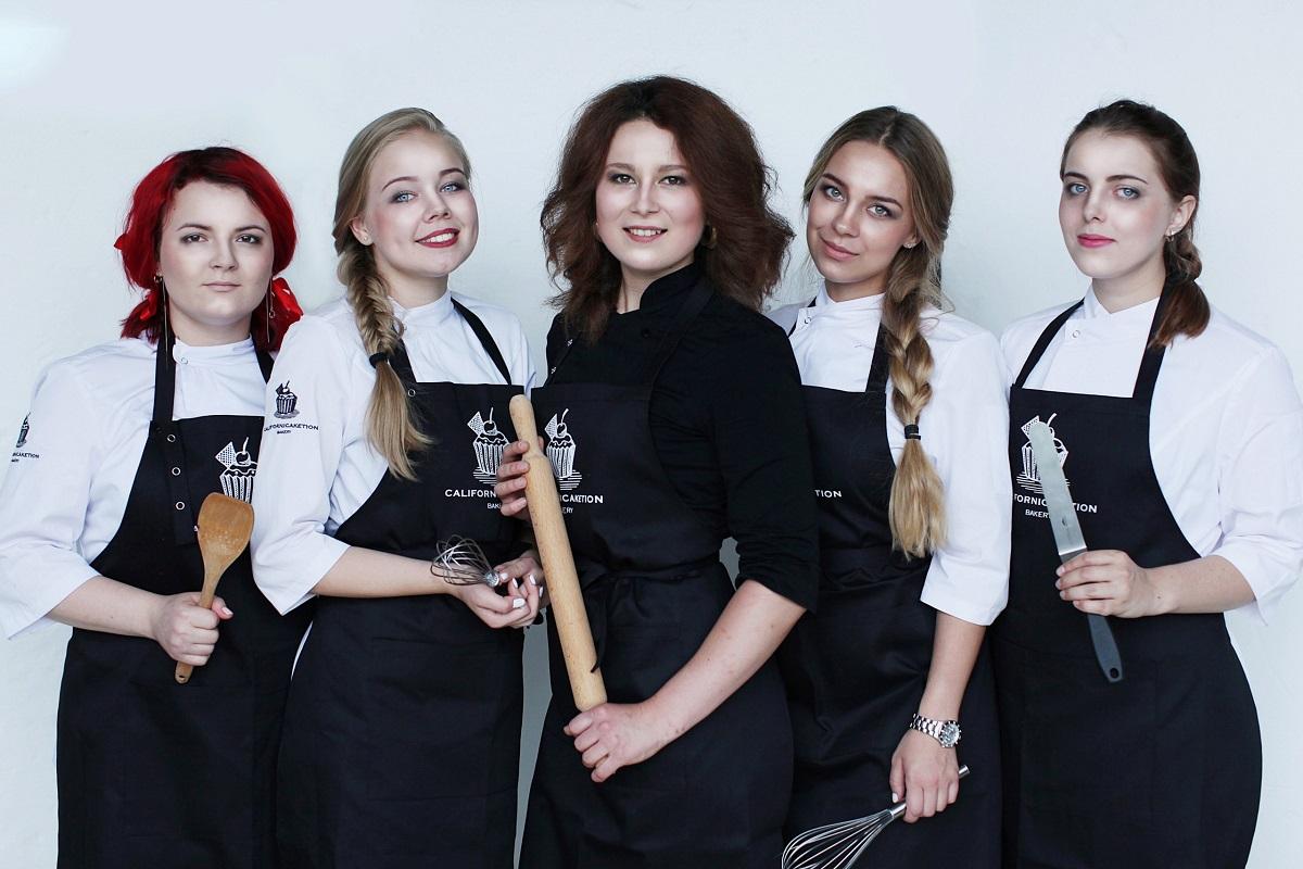 Мария Троицкая и команде ресторана Californicaketion. Фото: личный архив