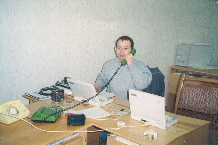 Первый офис EPAM (на тот момент «Эффективное Программирование») в подвале жилого дома. 1993. Фото из личного архива Леонида Лознера