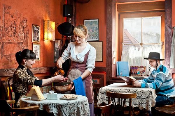 Галицька жидівська кнайпа «Під Золотою Розою». Фото с сайта fest.lviv.ua