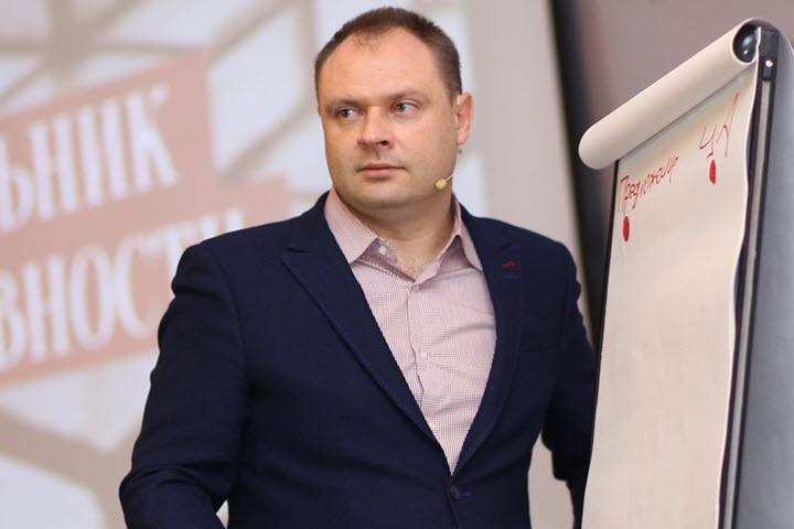 Денис Каплунов. Фото с сайта redpen.uz