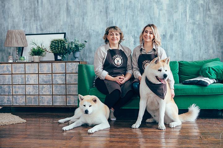 Ксения Закамолдина со своей мамой. Фото предоставлено автором