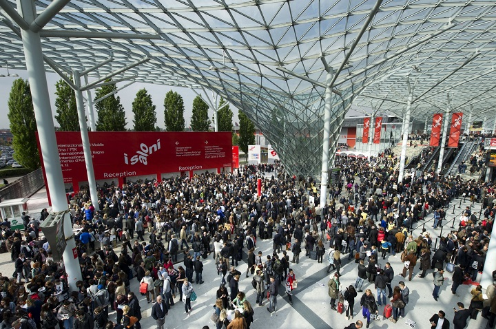 Выставка iSalone в Милане. Фото с сайта medium.com
