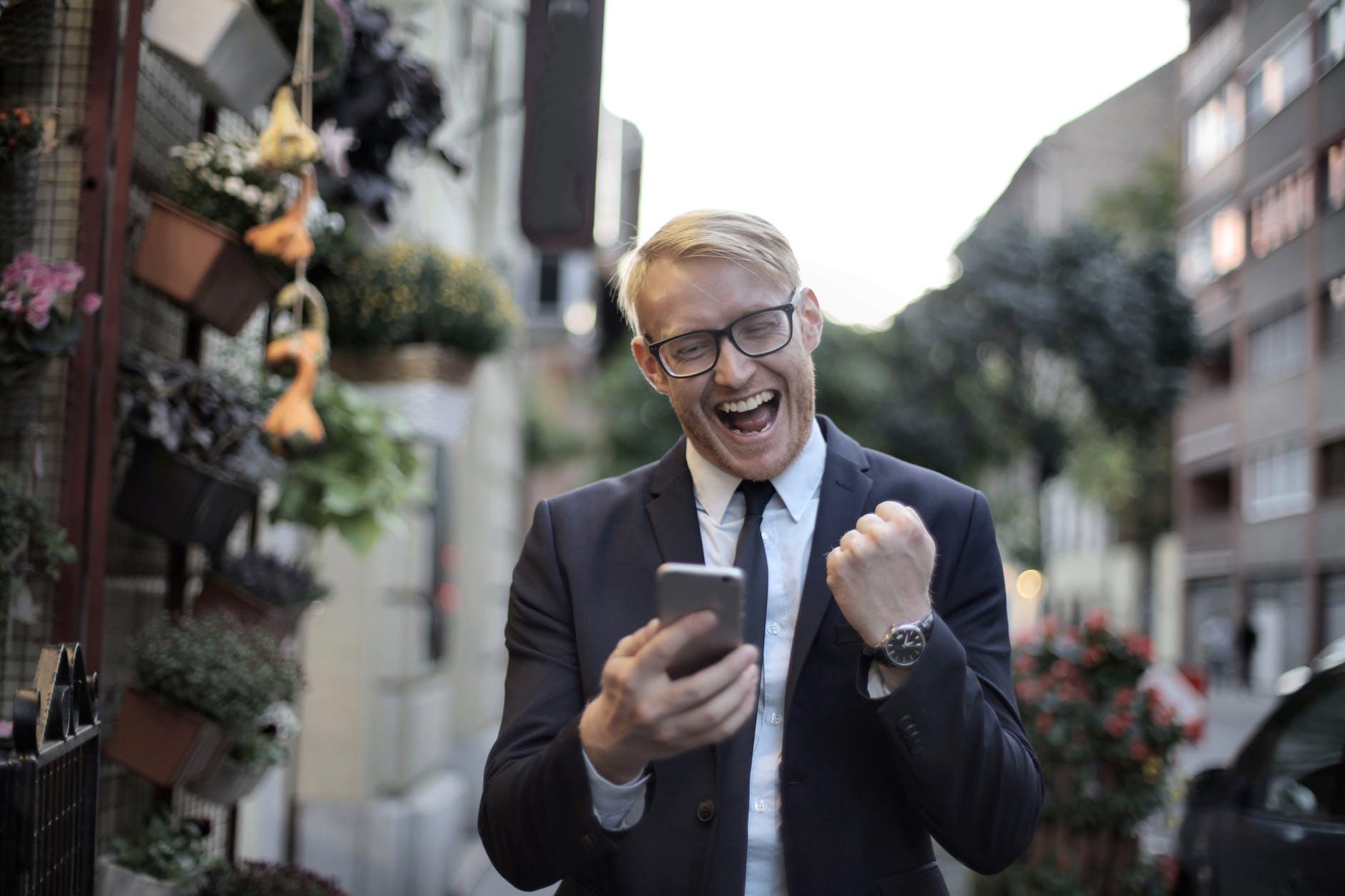 ФОТО: Как эффективно продавать по телефону — узнайте на этом онлайн-интенсиве