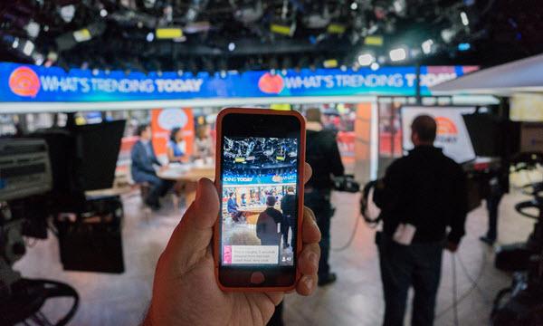 Трансляция в Periscope. Фото с сайта theguardian.com
