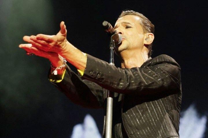 Солист Depeche Mode. Фото с сайта virginradio.it