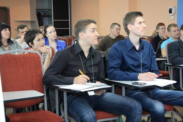 Обучение продажам. Фото со страницы Дмитрия Скуратовича на Фейсбук