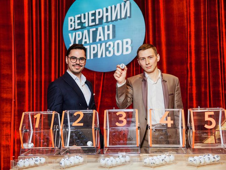 В шоу «Вечерний ураган призов» каждую среду в 21.00 определяются новые победители рекламных игр Белагропромбанка