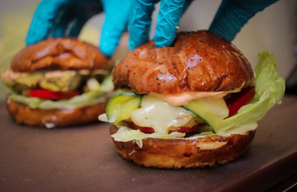 Фото со страницы BurgerLab.by в Facebook