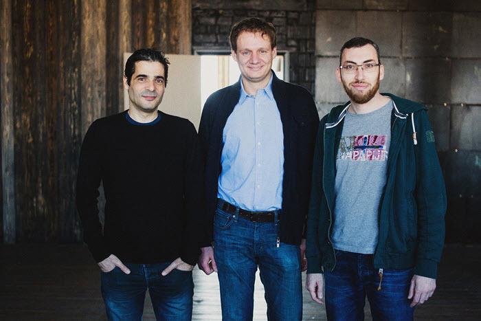 Тальмон Марко (слева) и Игорь Магазинник (справа). В центре – Алексей Минкевич, руководитель минского офиса Juno