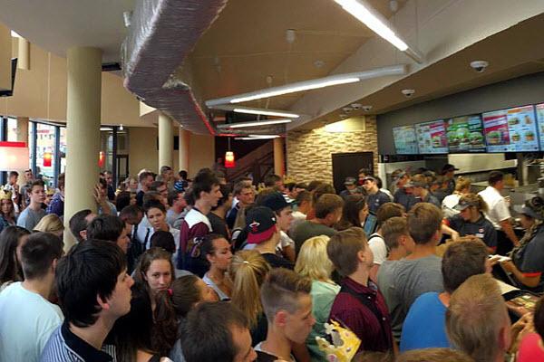 Открытие Burger King в Минске. Фото с сайта by24.org