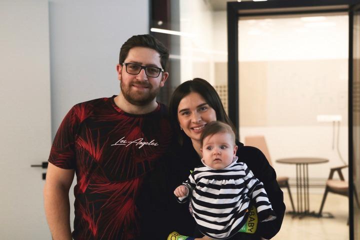 Евгений Кауфман с семьей, фото предоставлено героем материала