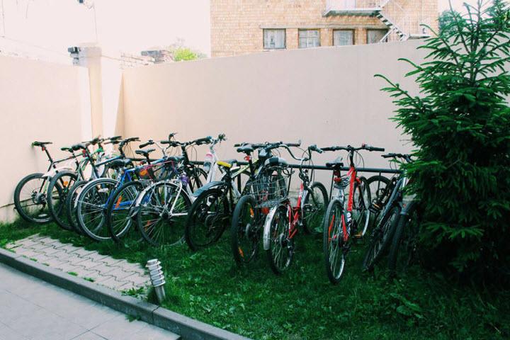 Велопарковка возле офиса Itransition. Фото с сайта kyky.org