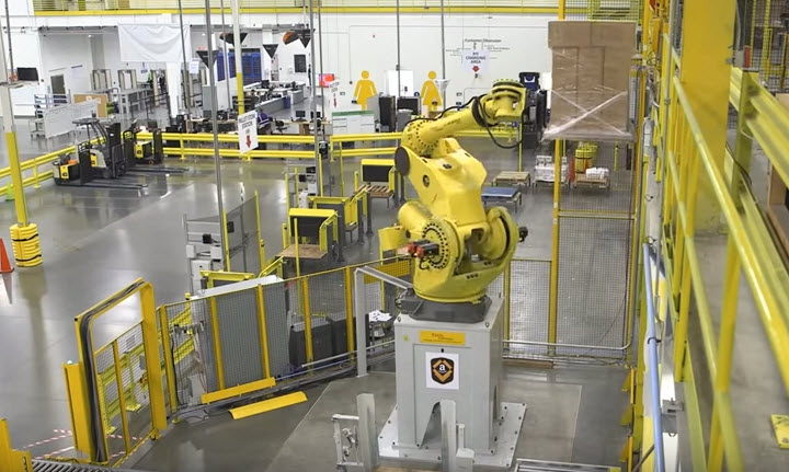 Работа роботов на складе Amazon. Изображение: ssk.ua